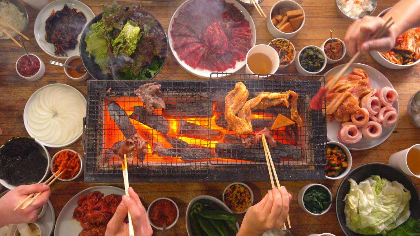 how to eat traditional korean bbq