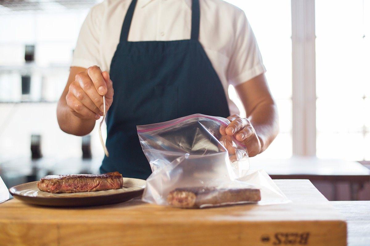 The four basic steps of sous vide cooking chefsteps for Cuisine sous vide