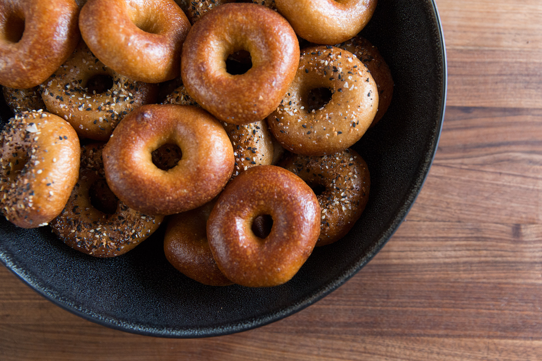 how to cook frozen bagels