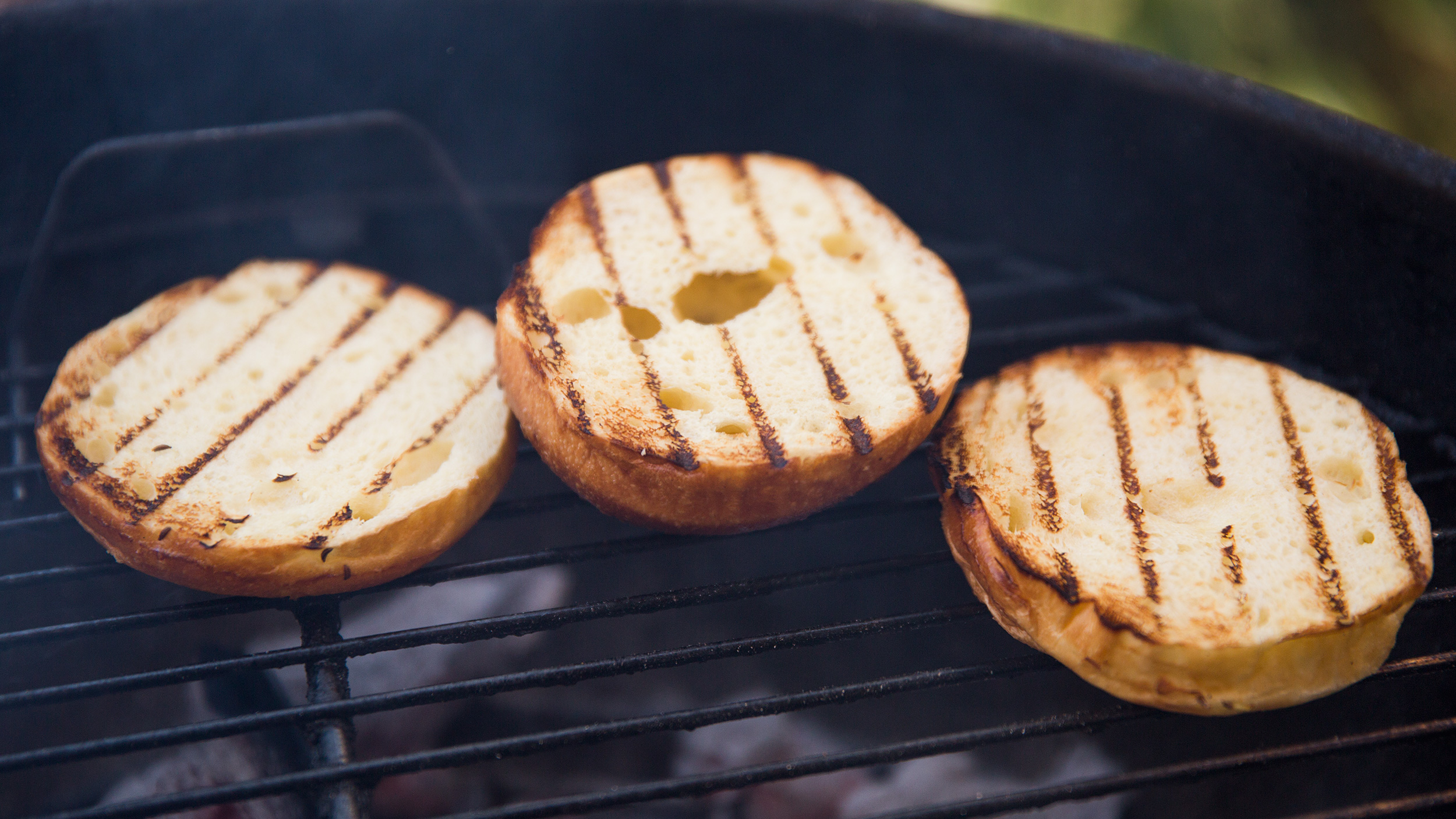tips tricks toasting buns on the grill chefsteps