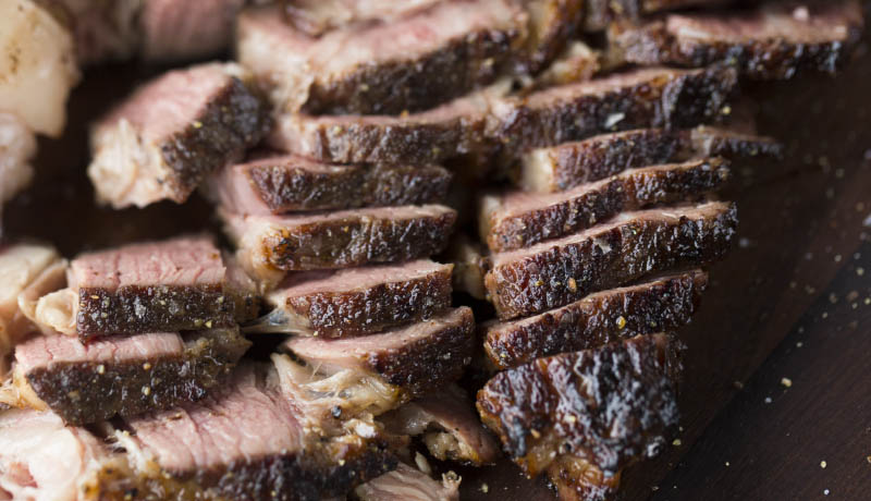 How to make tender round steak on the grill