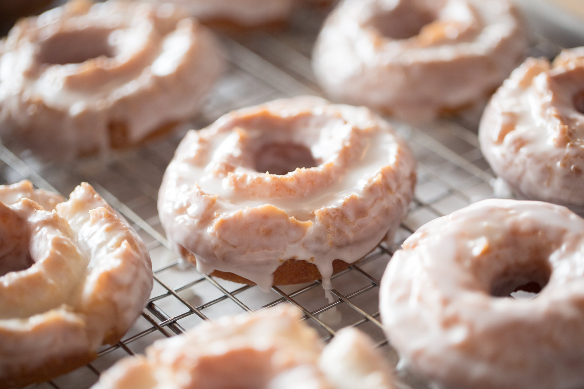 How to make icing for donuts with powdered sugar